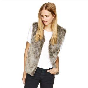 Aritzia Talula Faux Fur Vest Size M